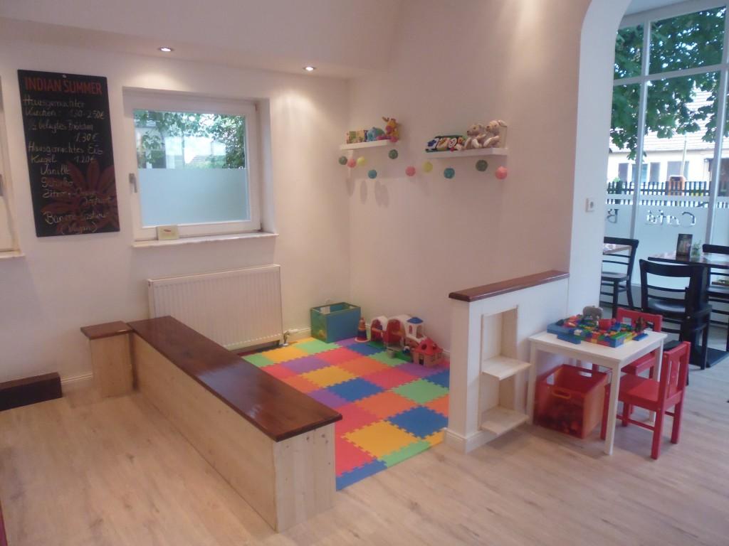 Familiencafé mit Spielecke © Mi Mundo