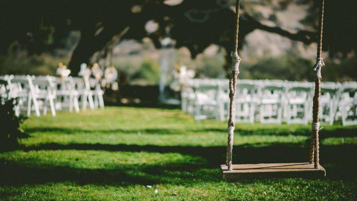 Eine Gartenhochzeit organisieren: sechs Tipps für die Feier unter freiem Himmel_Beitragsbild © Free-Photos / pixabay.com
