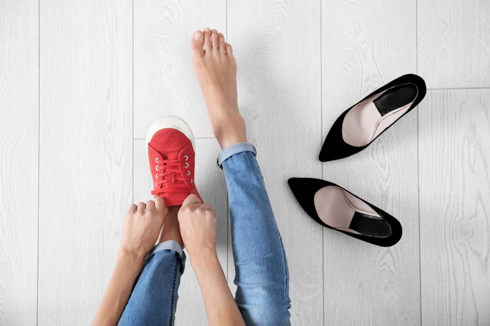 Gesunde Füße - gibt es Schuhe, die nicht schaden, sondern helfen? © New Africa / shutterstock.com