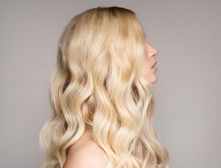 Schöne lange Haare mit Extensions © yuriyzhuravov / Fotolia.com