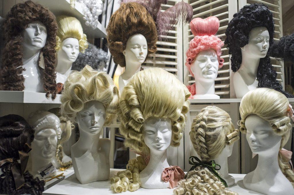 Perücke, Perücken, Haarteil, Haarteile, Tradition, Griechen, Römer, Barock, Adel