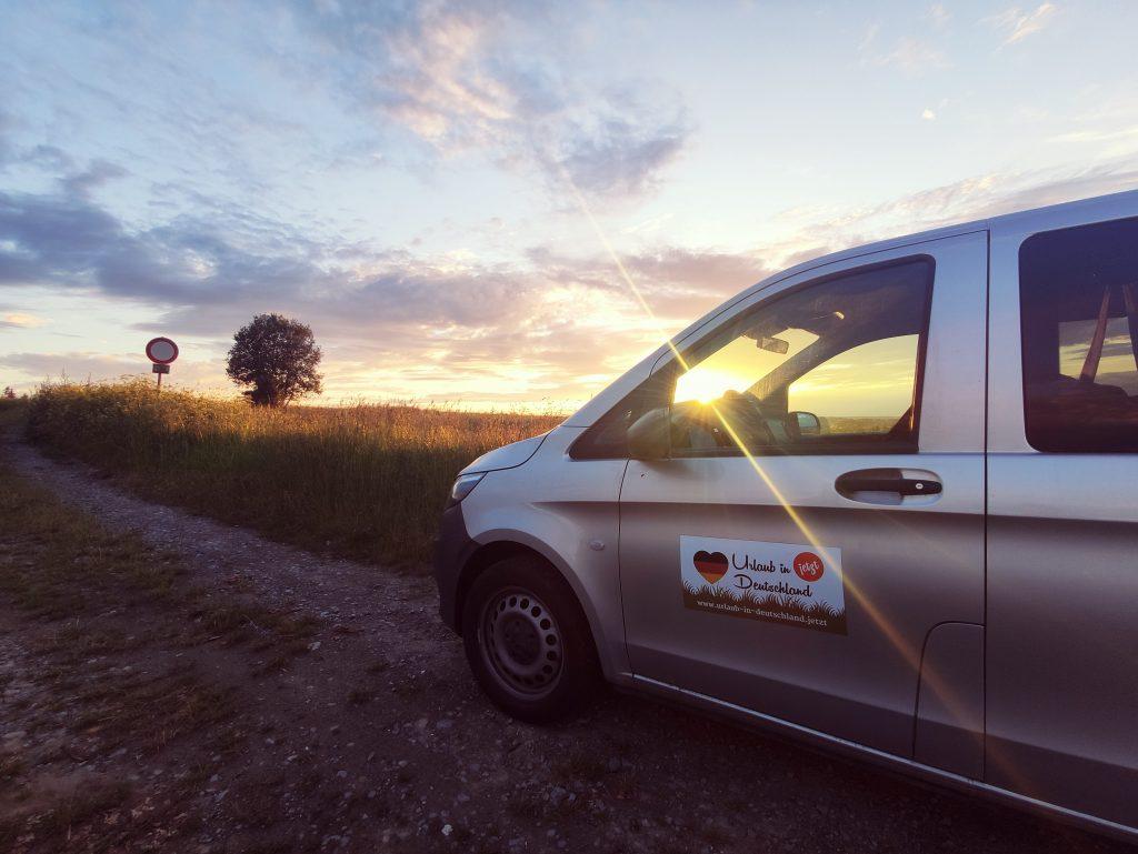 Auch beim Urlaub in der Heimat kann man wunderschöne, romantische Sonnenuntergänge genießen © urlaub-in-deutschland.jetzt