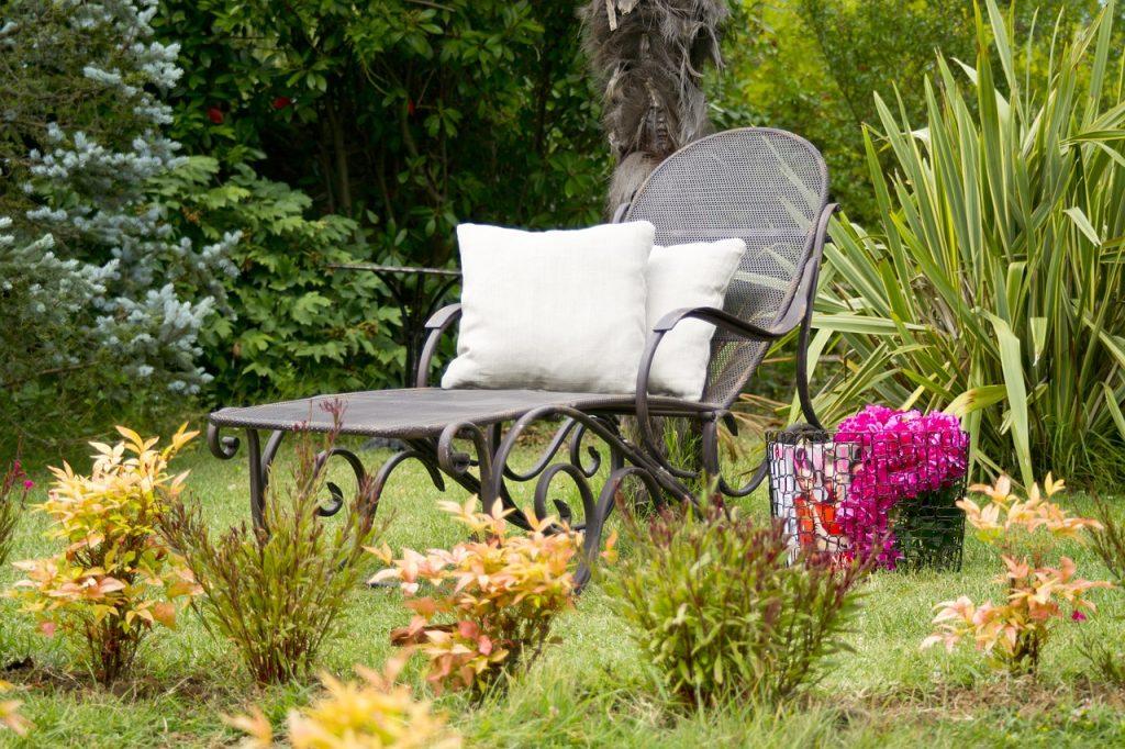 Gartenmöbel, Entspannung, Achtsamkeit