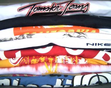 Wie Sie bedruckte T-Shirts pflegen