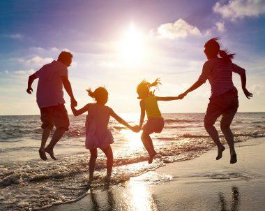 mit Kindern verreisen © Tom Wang shutterstock