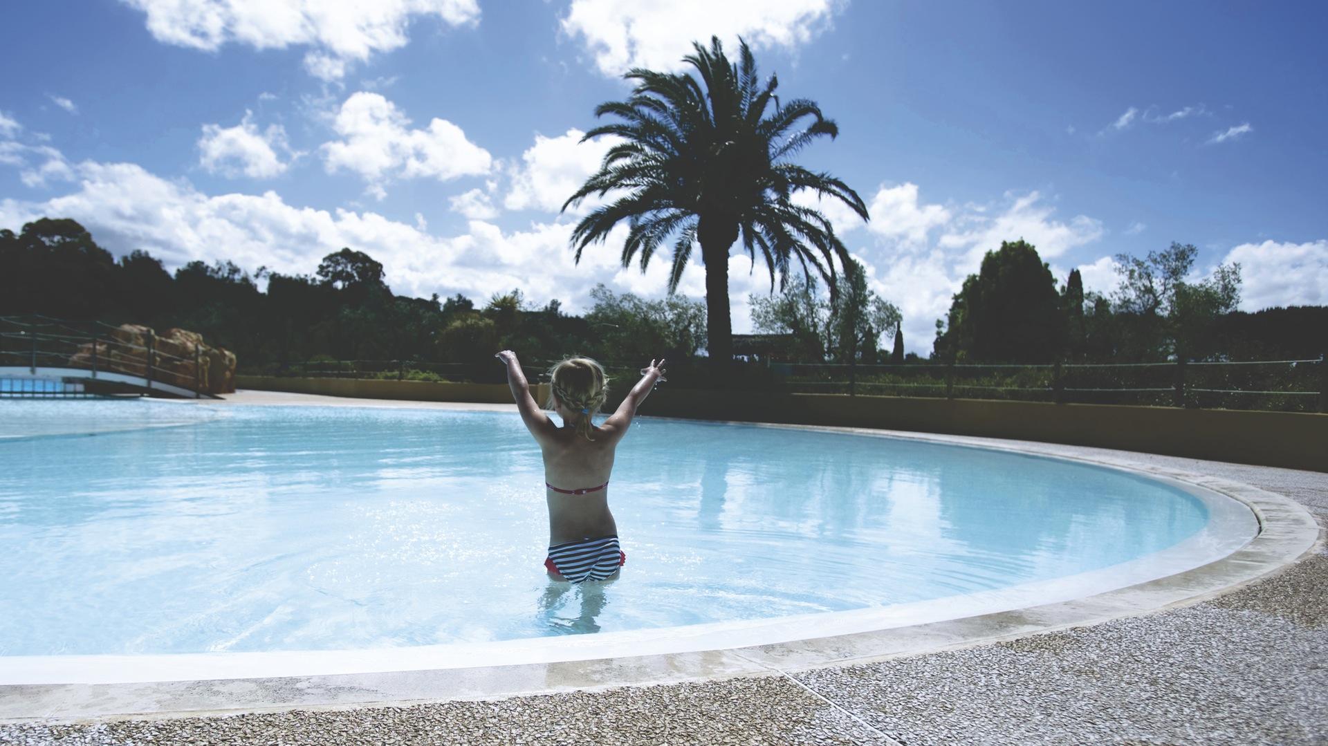 Mädchen, Swimmingpool, Urlaub, Hotel, Schwimmen