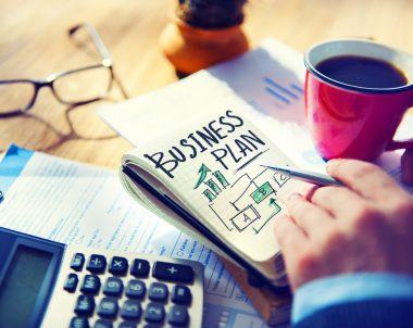 Selbständig im Nebenberuf: Sollten Sie mit dem Gedanken spielen, haben wir hier wichtige Tipps für Sie © Rawpixel.com / shutterstock